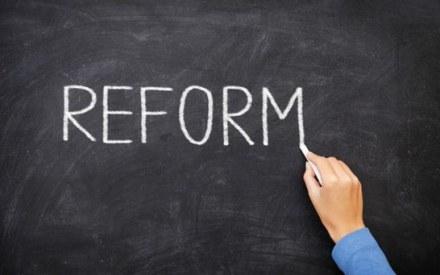 Говорили-балакали, сели и заплакали! Какие реформы власть должна провести в 2017 году?