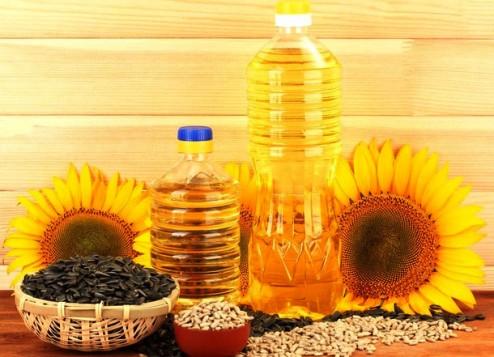 Украина — крупнейший в мире экспортер подсолнечного масла — за год увеличила ее производство на 20%
