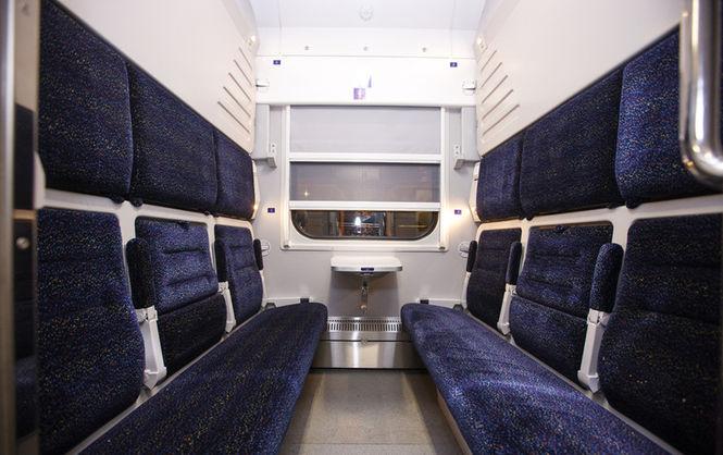 В Украине теперь есть поезда с вагонами-трансформерами