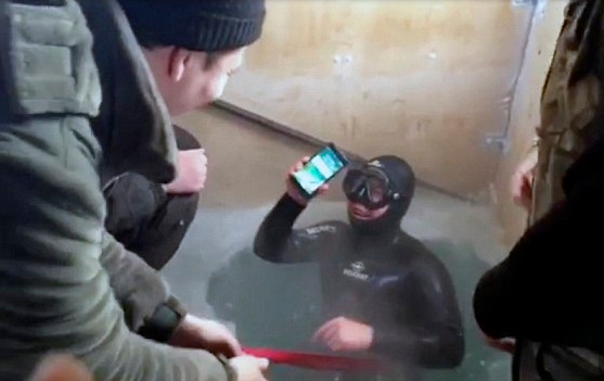 iphone-7-survives-freezing-water