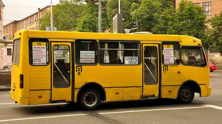 Маршрутки по 12 гривен: перевозчики грозятся резко повысить цены