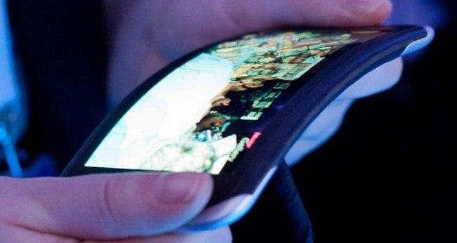 В Японии в следующем году начнут производство гибких дисплеев