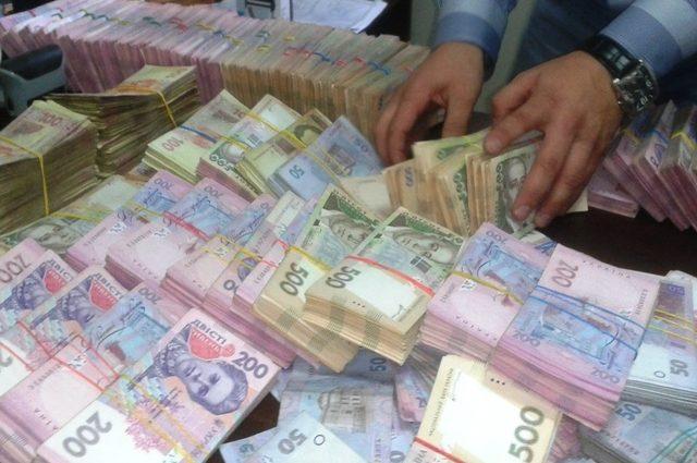 Эй, отдайте деньги! Долги украинских олигархов больше, чем Украина хочет получить от МВФ