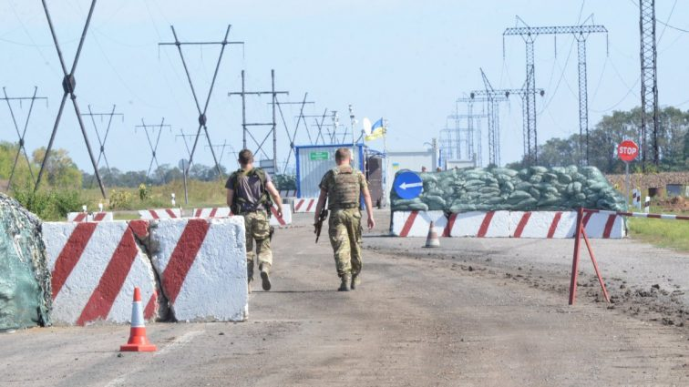 Торговля с оккупированными территориями: Порошенко прокомментировал ситуацию