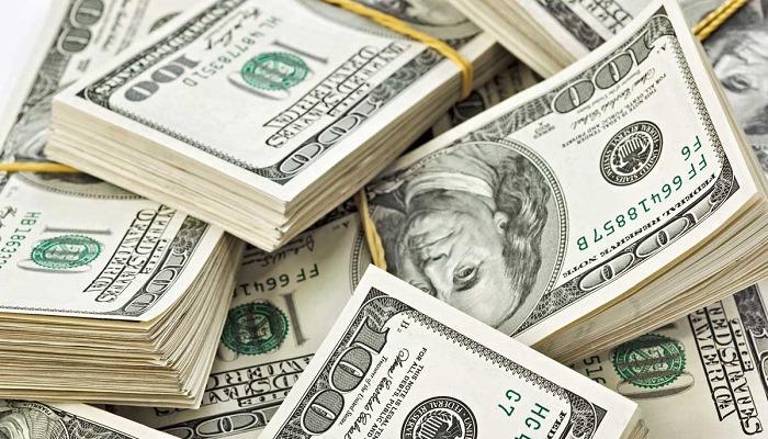 Какими будут зарплаты украинцев, если доллар подскочит до 35 гривен?