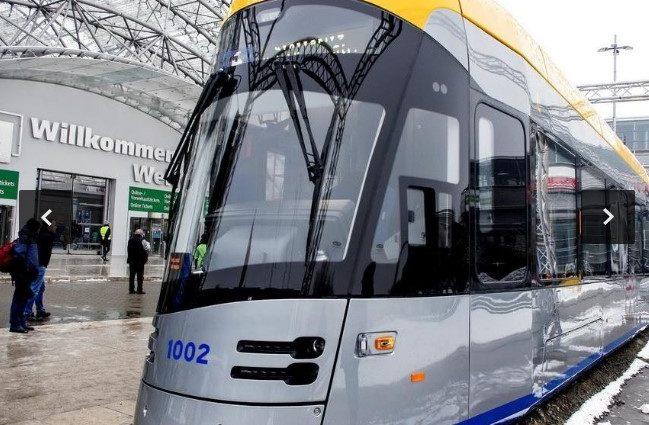 «Умный трамвай будущего»: в Польше состоялась презентация нового траспортного средства