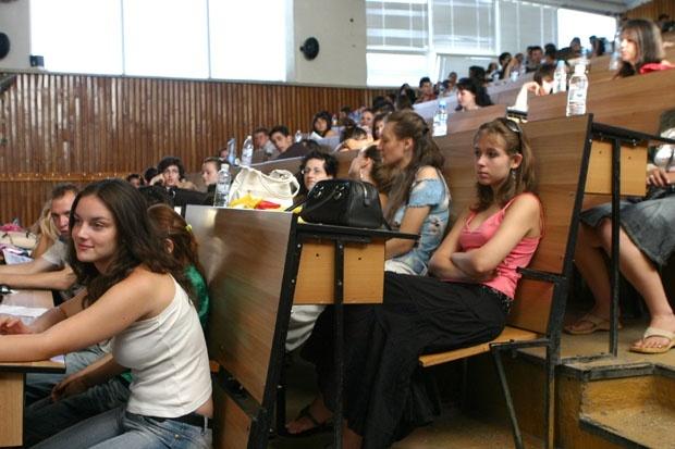 «Выжили» самые умные. Количество студентов-бюджетников, которые могут получать стипендии, сократили до 45%