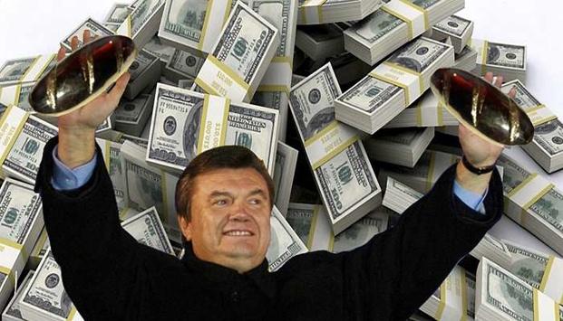 В экс-президента закончились деньги? Суд снял арест с 313 миллионов Януковича в банке Порошенко