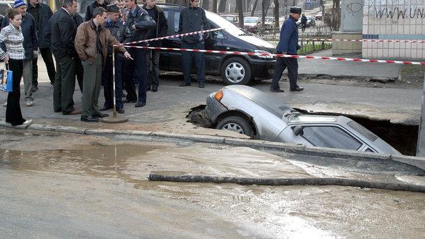 Украинские дороги: что делает «Укравтодор» для борьбы с ямами