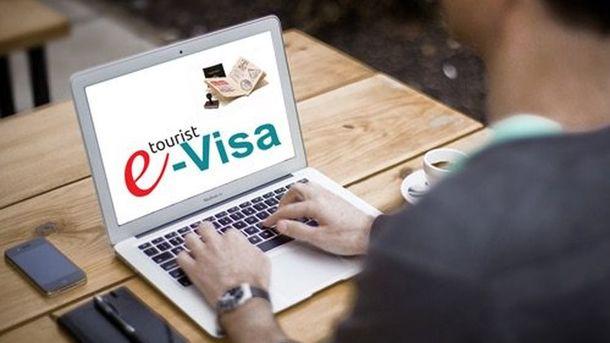 Украина введет электронные визы для иностранцев