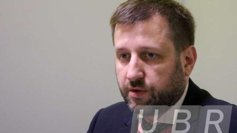 Что потребуется украинцу для вывода денег? (Видео)