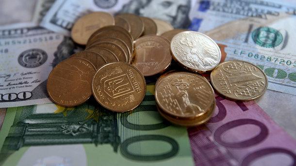 В Украине подскочил курс евро, доллар тоже дорожает