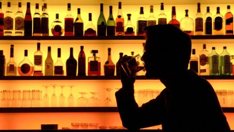 Определены регионы-лидеры по употреблению алкоголя в Украине