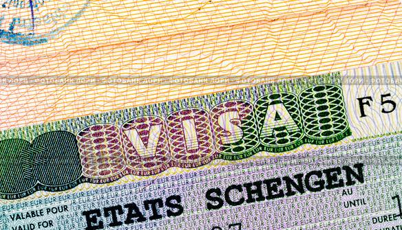 Названы страны, которые чаще всего отказывают украинцам в шенгене