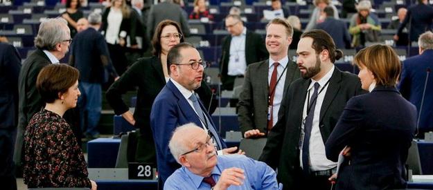 АГЕНТЫ НЕ КРЕМЛЯ: Кто голосовал против украинского безвизу? (СПИСОК)