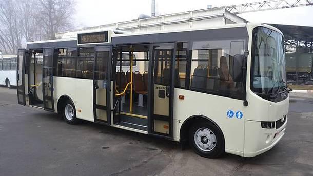 На дороги Украины вышли 102 новых автобуса, часть из них – российские