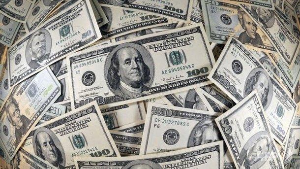 Курс доллара в Украине опускается все ниже