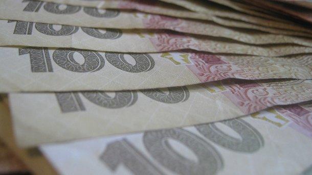 Средняя зарплата в Украине выросла