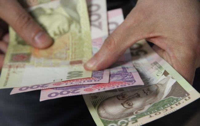 Украинцы, меняйте профессию! МОЗ показал доходы врача и медсестры