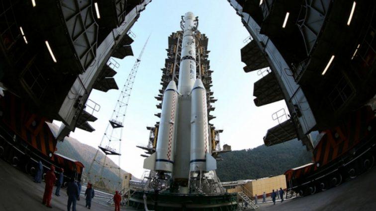 Китай похвастался успешной стыковкой корабля в открытом космосе