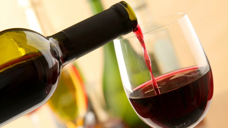 «Скрепы любят выпить» : Россия стала крупнейшим покупателем украинского вина