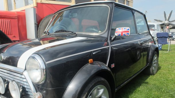 В Украину прибыл самый маленький автомобиль в мире