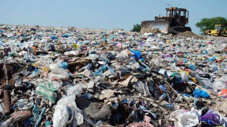 Назван город, который завалят львовским мусором
