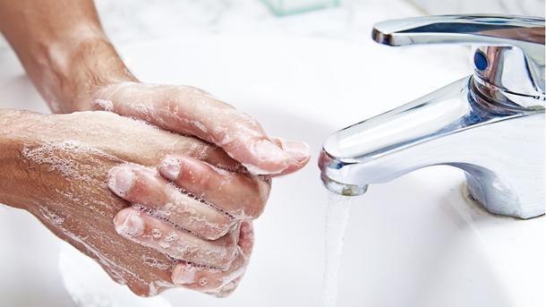 Каких частей тела нельзя касаться руками