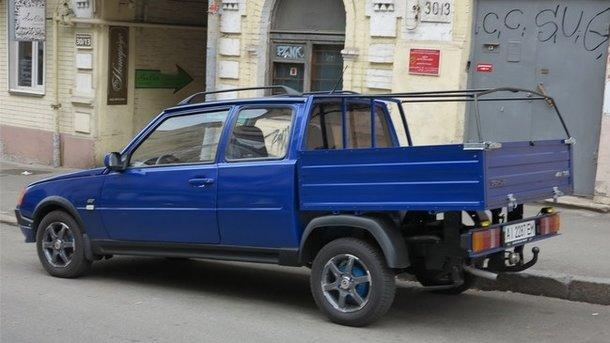 ФОТОФАКТ. На дорогах Украины заметили уникальную «Таврию»