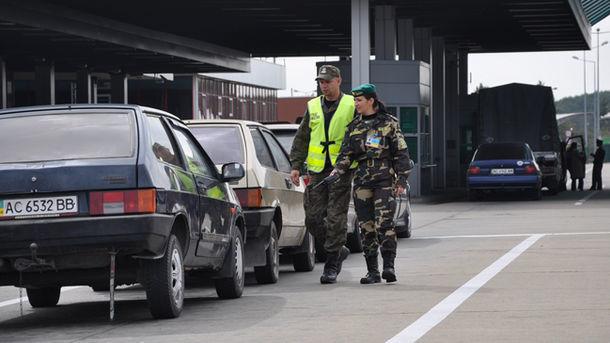Польша ограничит въезд в Украину автомобилей с иностранной регистрацией