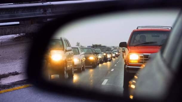 У украинских водителей уменьшилось головной боли