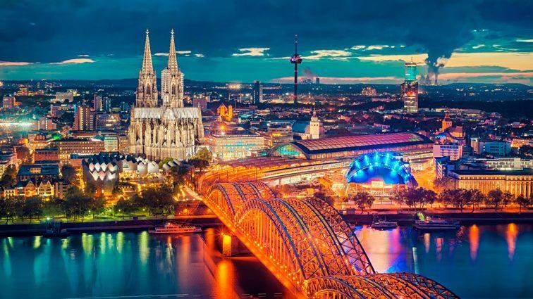 В Европу поездом: куда и за сколько можно поехать украинском