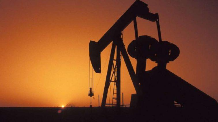 В мире дешевеет нефть