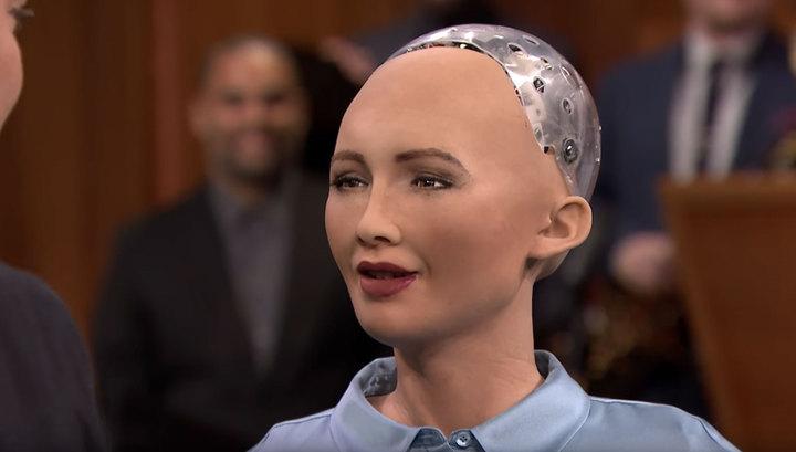 «Боже, она меня пугает»: Робот София на шоу Good Morning Britain шокировала ведущих и зрителей