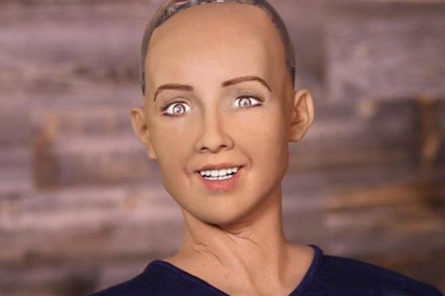 Вот куда прогресс дошел: Робот София впервые дала интервью