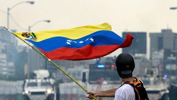 Россия потеряет миллиард долларов из-за Венесуэлы
