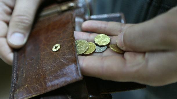 Погашать кредиты украинцы будут по-новому: закон вступает в силу в июне