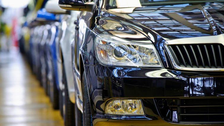 Власти хотят дать отечественному автопрому «зеленый свет»