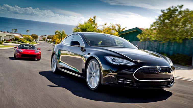 Bloomberg: Ежедневно электромобили делают ненужными десятки тысяч баррелей нефти