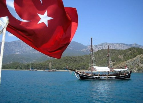 Все на море: горящие путевки для украинцев в Турцию и Египет