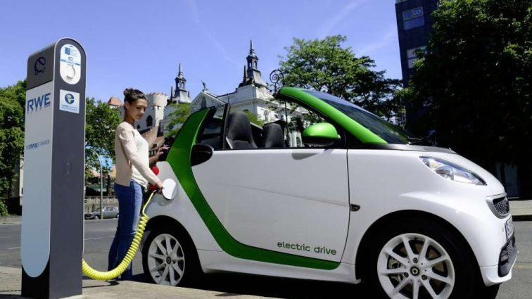 Стартап Ubitricity превращает уличные фонари на зарядку для электромобилей
