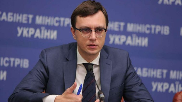 Омельян о Ryanair: «Костьми лягу, но компания будет в Украине»