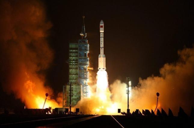 Китай начнет запускать ракеты-носители с морских платформ