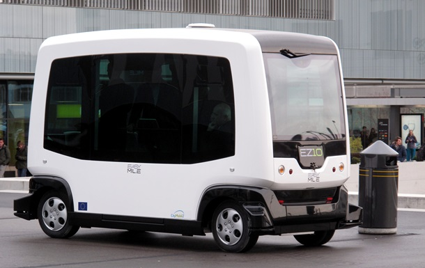 В Таллине курсируют пассажирские автобусы без водителей