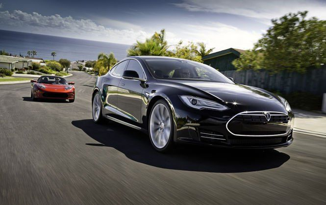 Tesla начала продавать свой первый бюджетный электромобиль