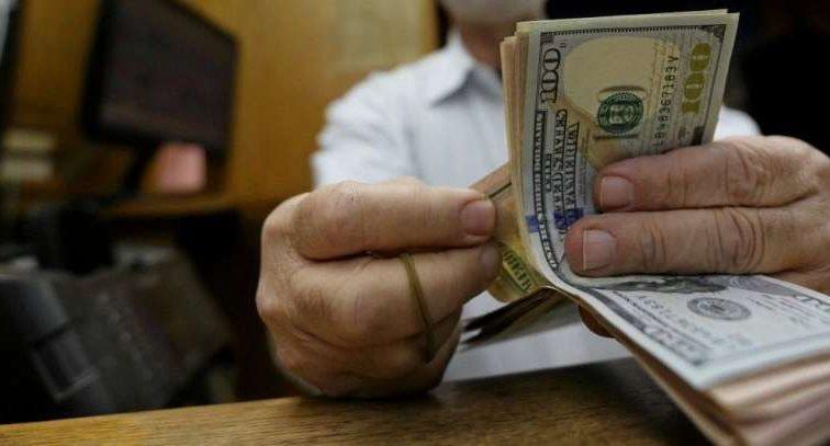 Межбанк: доллар возвращает утраченные позиции