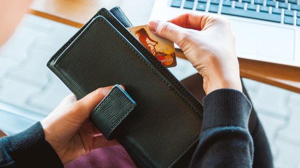 Как извлечь из кредитки максимум пользы: где ловить кэш-бэк и бонусы