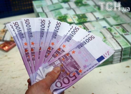 Евро достиг самого высокого показателя за последний год в курсах валют Нацбанка
