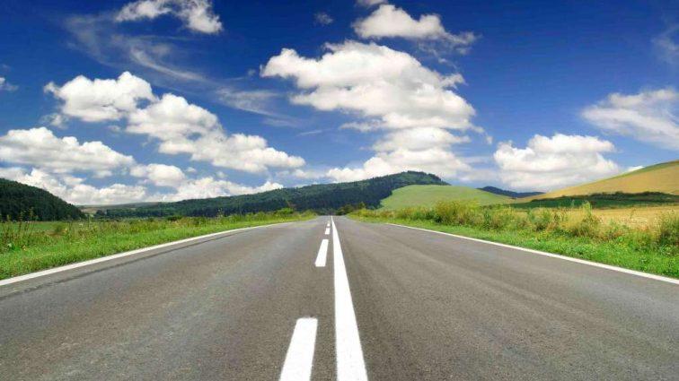 Гройсман обещает, что качественные дороги в Украине будут через 5-7 лет