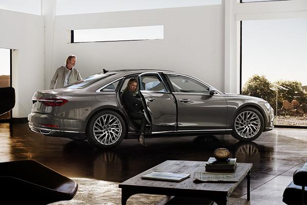 Больше, чем авто: в Барселоне представили новую Audi A8